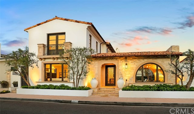120 Via Waziers, Newport Beach, California 92663, 4 Bedrooms Bedrooms, ,4 BathroomsBathrooms,Residential Purchase,For Sale,Via Waziers,OC21162684