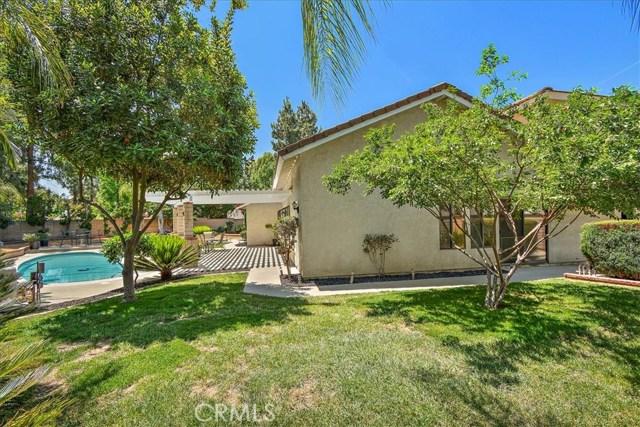 1203 Duke Lane, Walnut CA: http://media.crmls.org/medias/6b2a6c44-88ad-4c15-ad1e-a9404491ba8c.jpg