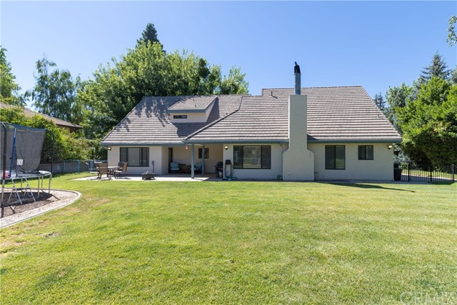 13086 Oak Crest Drive, Yucaipa CA: http://media.crmls.org/medias/6b329dc3-bfe2-4fd6-81d7-7510a5bdf9ae.jpg