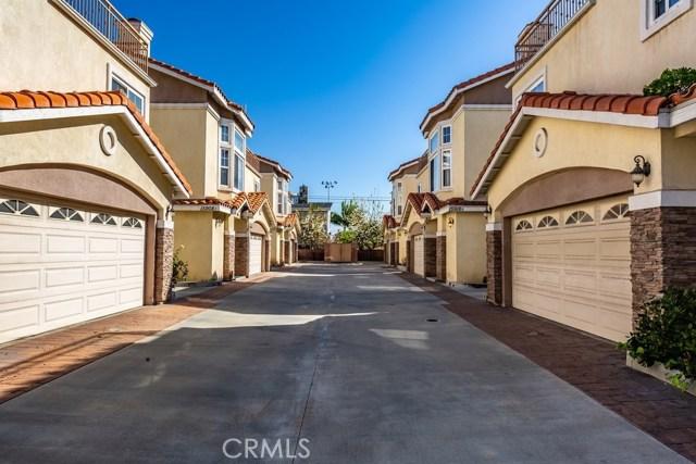 15916 Halldale Avenue, Gardena, California 90247, 4 Bedrooms Bedrooms, ,3 BathroomsBathrooms,Condominium,For Sale,Halldale,RS20026792