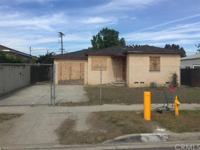 $219,900 - 3Br/2Ba -  for Sale in Compton