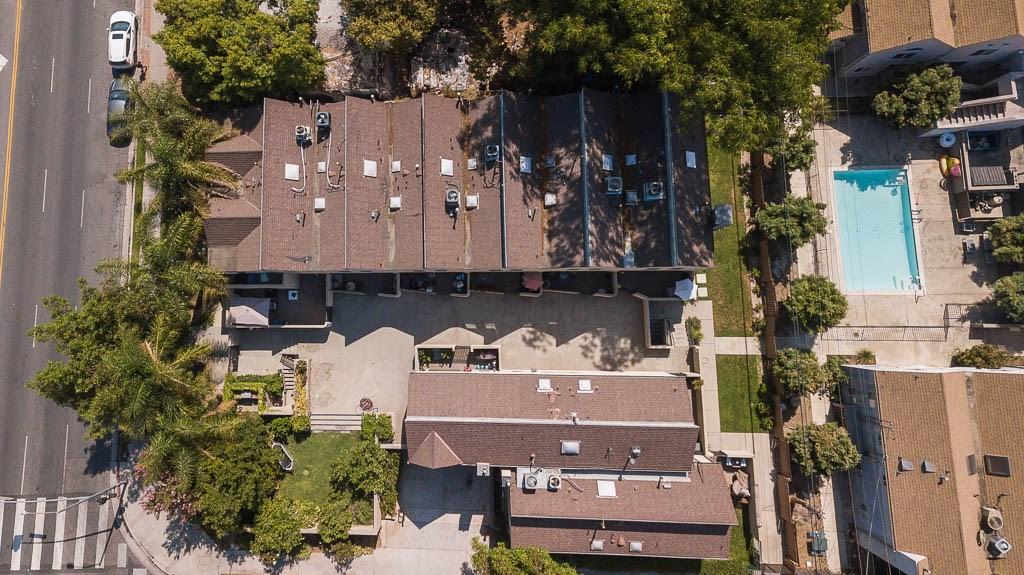 14256 Victory Boulevard, Van Nuys CA: http://media.crmls.org/medias/6b4c6731-3d10-401c-b210-62edc4d53c53.jpg
