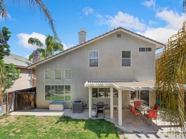 1366 Haven Tree Lane, Corona CA: http://media.crmls.org/medias/6b58ea3e-9197-4e0c-b3b4-a48417147cf8.jpg