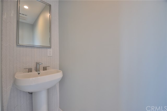 364 Calle Mayor, Redondo Beach CA: http://media.crmls.org/medias/6b59278c-4f24-4ed0-8338-4f9151be9244.jpg