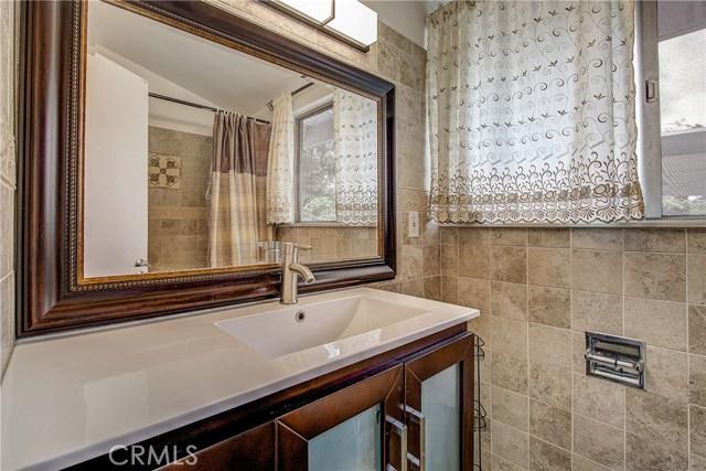 10000 Encino Avenue, Northridge CA: http://media.crmls.org/medias/6b5acfef-fed9-4e11-acf2-f9a6f7d1a9fb.jpg