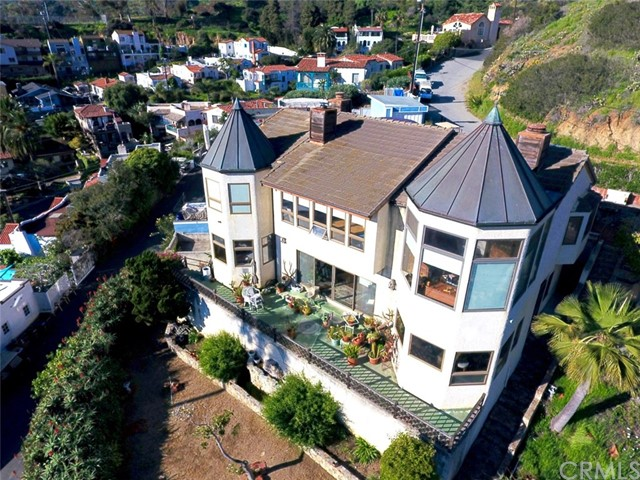 Single Family Home for Sale at 317 Las Lomas Drive Avalon, California 90704 United States