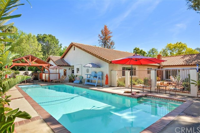 10425 Poplar Street, Rancho Cucamonga CA: http://media.crmls.org/medias/6b66b804-e5de-4667-959b-bda56d64886b.jpg