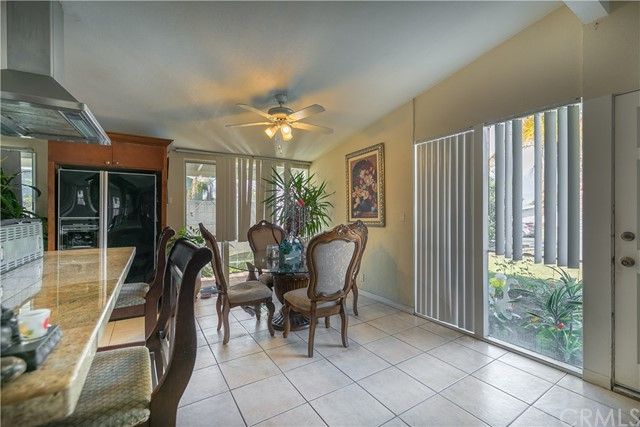 2208 W Midwood Ln, Anaheim, CA 92804 Photo 4