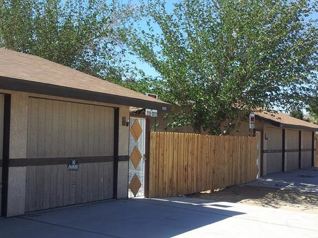 6440 Hermosa Avenue Yucca Valley, CA 92284 is listed for sale as MLS Listing JT16157526