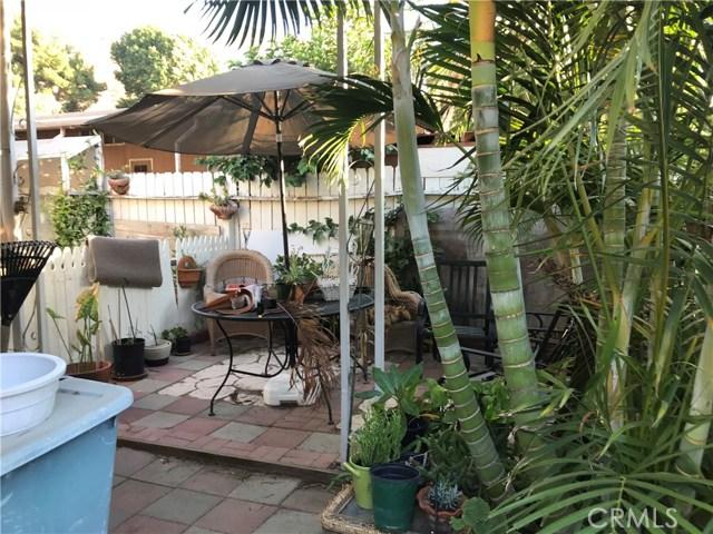 4901 Green River Road, Corona CA: http://media.crmls.org/medias/6b81558e-a5e5-4dd8-9fec-698418802af7.jpg