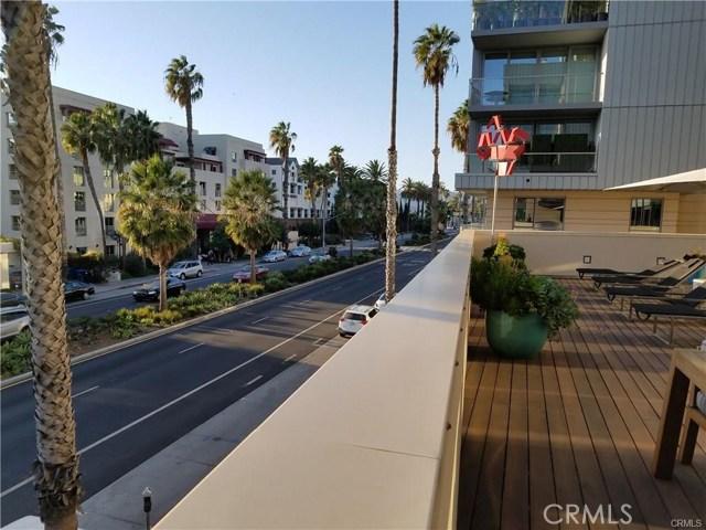 1755 Ocean Avenue, Santa Monica CA: http://media.crmls.org/medias/6b9c70f2-9f11-4271-8a43-67d3dd943a72.jpg