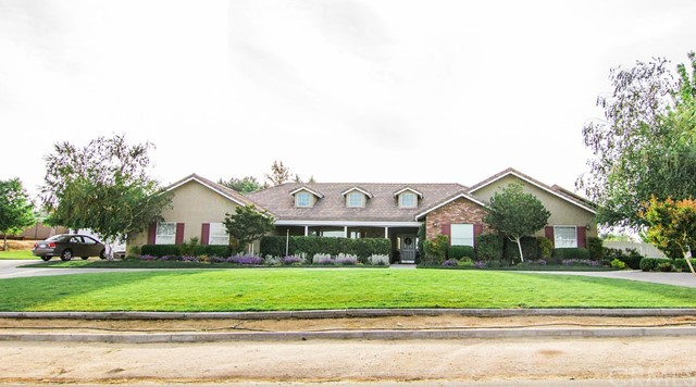 14095 Riverside Drive, Apple Valley, CA, 92307
