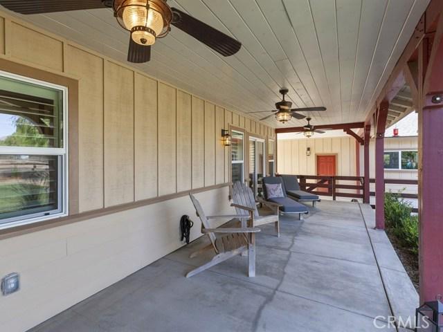 3563 Valley View Avenue, Norco CA: http://media.crmls.org/medias/6bb33a33-bc2d-4826-a5e9-bdd60d7a892d.jpg