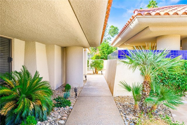 Detail Gallery Image 1 of 35 For 11 Kavenish Dr, Rancho Mirage,  CA 92270 - 3 Beds | 3/1 Baths