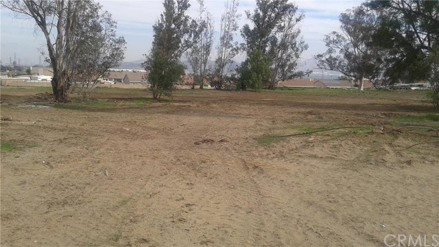 Land for Sale at 11327 Spruce Avenue Bloomington, California 92316 United States