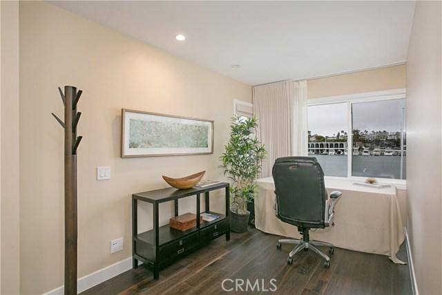 208 Via Lido Nord, Newport Beach CA: http://media.crmls.org/medias/6bbe8eba-8a9d-4efa-929a-364efbdaeda5.jpg