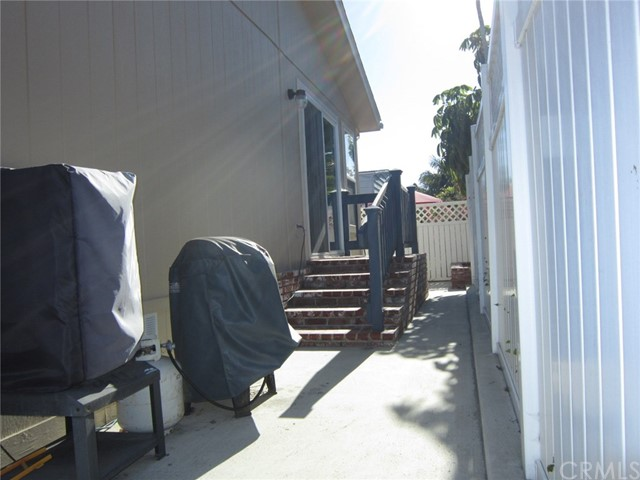 Huntington Beach, CA 2 Bedroom Home For Sale