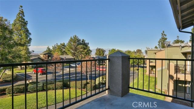 2592 Avenida Del Vista, Corona, California