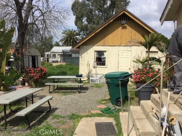 6837 Lomita Street, Riverside CA: http://media.crmls.org/medias/6bf15fa0-cf20-48db-a711-2ee11169f9b3.jpg