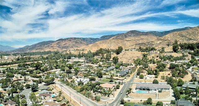 1406 E Ralston Avenue, San Bernardino CA: http://media.crmls.org/medias/6bf2a52d-58cc-4d86-a634-1cb0a392a962.jpg