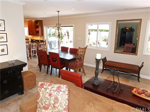 5297 Appian Way, Long Beach CA: http://media.crmls.org/medias/6bf883d6-3060-4d04-9054-235c0e01ebb8.jpg