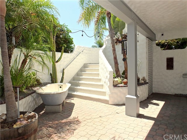 5297 Appian Way, Long Beach CA: http://media.crmls.org/medias/6c0bf8e5-a225-4171-a041-49b08933a264.jpg