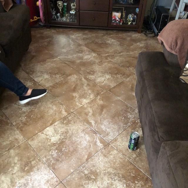 531 S Arizona, Los Angeles CA: http://media.crmls.org/medias/6c2853c5-0c9c-4ada-9e17-5ceb00d2a788.jpg