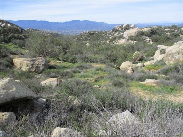 991 Crazy Horse Canyon Road, Aguanga CA: http://media.crmls.org/medias/6c404daa-dad1-4bf4-ac5e-34ae1879027a.jpg