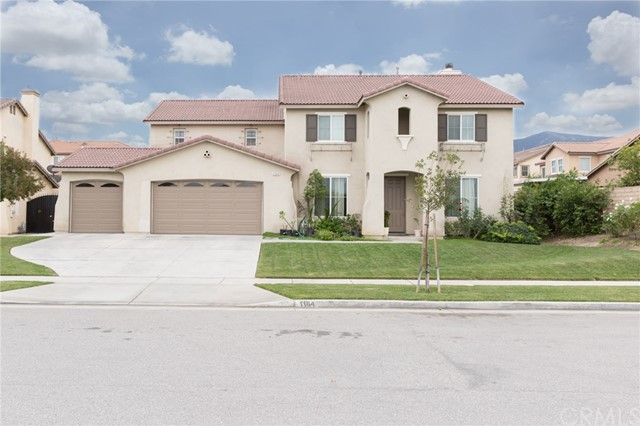 Photo of home for sale at 1164 Hyacinth Way, Corona CA