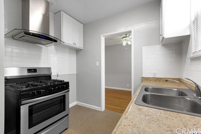 1404 1408 5th Street, Glendale CA: http://media.crmls.org/medias/6c68866f-5969-4560-9885-e261a88bf223.jpg