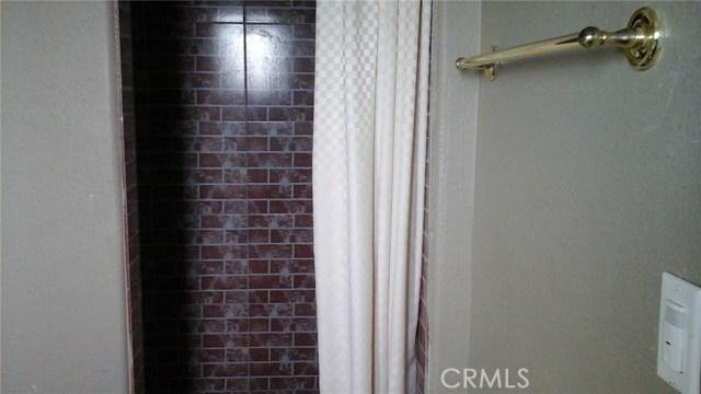 924 E Main, Barstow CA: http://media.crmls.org/medias/6c6fe259-441a-4a3d-80e5-9e817ec3eff0.jpg