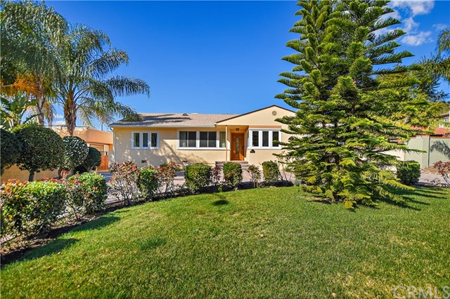 Single Family Home for Sale at 2415 Canada Boulevard 2415 Canada Boulevard Glendale, California 91208 United States