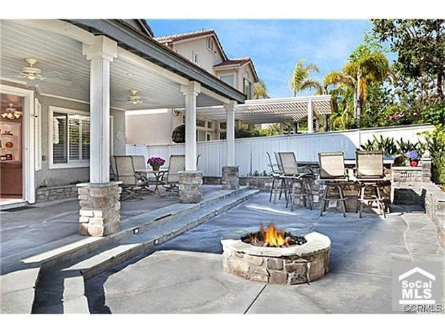 Single Family Home for Sale at 80 Monserrat St Lake Forest, California 92610 United States