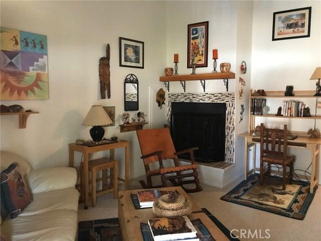 1068 Cherokee Street, Fawnskin CA: http://media.crmls.org/medias/6c81e01c-e0e7-4a46-b43e-97fe6f362f5b.jpg