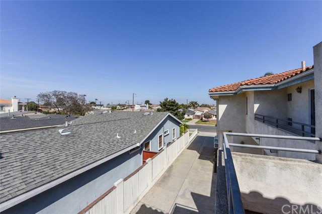 18339 Roslin, Torrance, Los Angeles, California, United States 90504, 3 Bedrooms Bedrooms, ,2 BathroomsBathrooms,Condominium,For Sale,Roslin,OC21072870