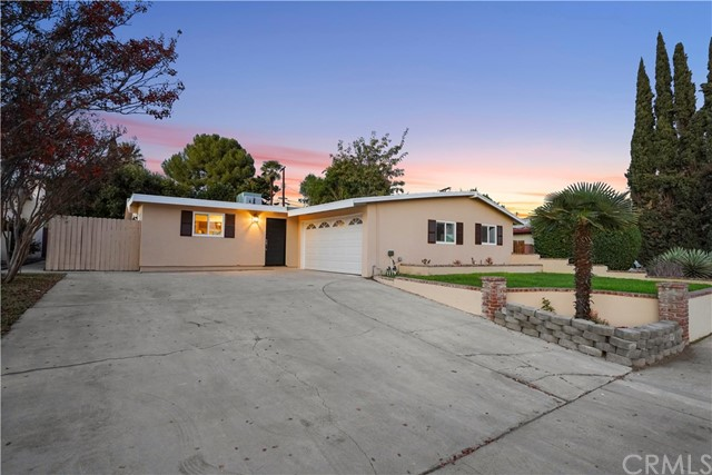 16321 Vincennes Street, North Hills CA: http://media.crmls.org/medias/6c8be37d-568d-4a0e-ab3b-a27f79da7db7.jpg