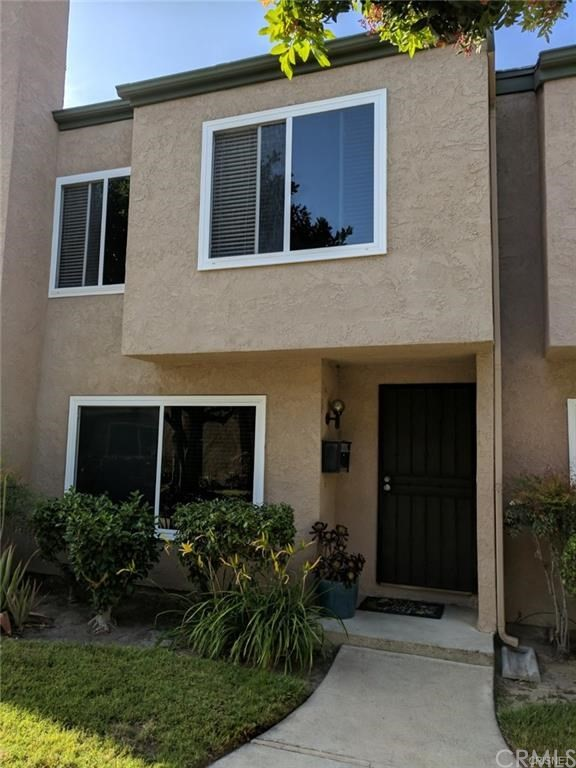 10958 Pebble Court, Fountain Valley CA: http://media.crmls.org/medias/6c8fe704-ef83-48ee-998c-f451c7d21a3f.jpg