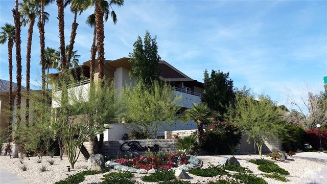 471 Calle El Segundo C-17 Palm Springs, CA 92262 is listed for sale as MLS Listing 217006408DA