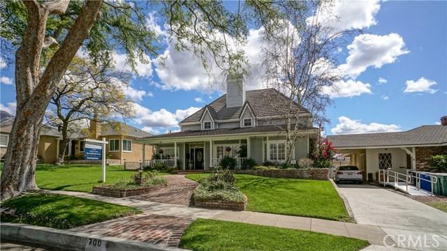 Casa Unifamiliar por un Venta en 700 E Grinnell Drive Burbank, California 91501 Estados Unidos