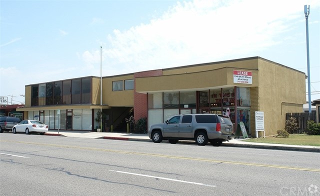 Single Family for Sale at 1532 Commonwealth Avenue W Fullerton, California 92833 United States