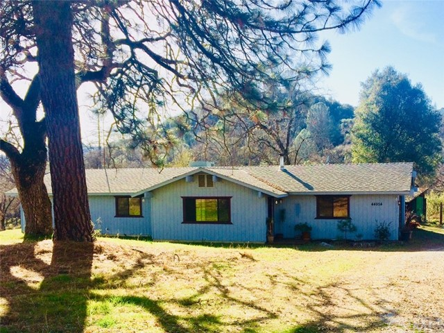 Single Family Home for Sale at 44954 Back Road 44954 Back Road Ahwahnee, California 93601 United States