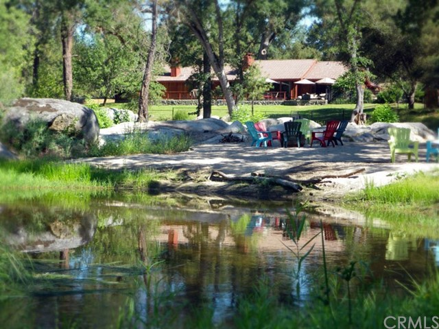Casa Unifamiliar por un Venta en 44616 Riverbend Court Ahwahnee, California 93601 Estados Unidos