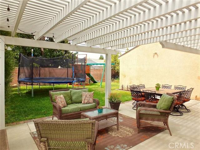 5943 Eastbrook Avenue, Lakewood CA: http://media.crmls.org/medias/6cb38394-8f80-404e-9842-a8fd748b1d11.jpg