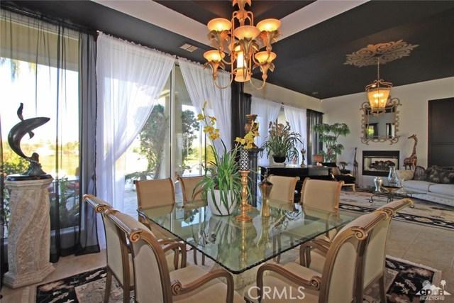104 Loch Lomond Road, Rancho Mirage CA: http://media.crmls.org/medias/6cbae2d6-030c-41d7-b605-54c1f1beb26e.jpg