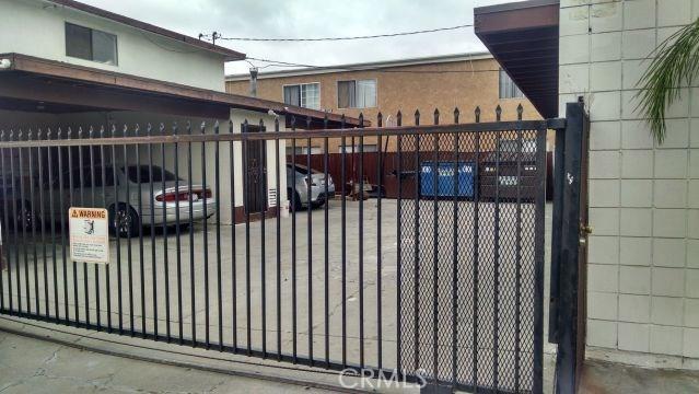 501 W 34th Street, San Bernardino CA: http://media.crmls.org/medias/6cc1ef5f-e8ff-4f2f-a1ea-94c63ed7805d.jpg