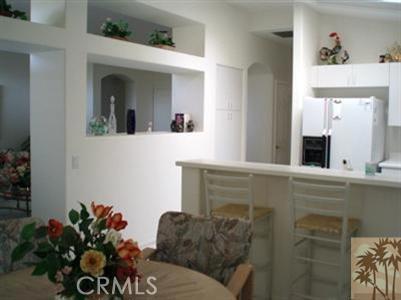 78420 Prairie Flower Drive, Palm Desert CA: http://media.crmls.org/medias/6cd8bbd1-5943-4f90-b98c-53682ef7c801.jpg