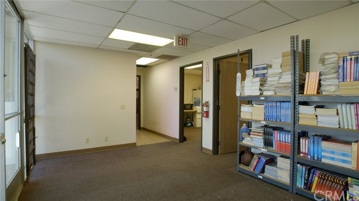 328 Malbert Street, Perris CA: http://media.crmls.org/medias/6cf59eb6-e192-489a-9148-b9780d5149bc.jpg
