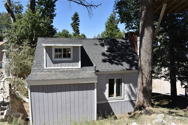 Single Family Home for Sale at 260 Lilac Way Cedar Glen, California 92352 United States