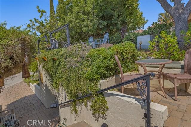 2710 Tres Lomas Court, Fallbrook CA: http://media.crmls.org/medias/6d149a00-f360-451d-9275-f154e656d56f.jpg