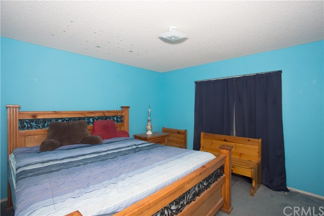 16926 Ouray Road, Apple Valley CA: http://media.crmls.org/medias/6d153949-61bb-4f50-b99c-53a8c805b547.jpg